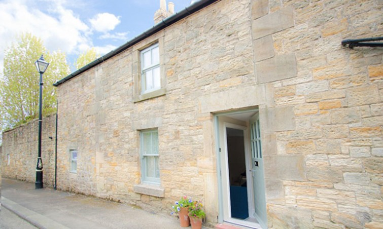 pet-free luxury self catering holiday cottage in warkworth