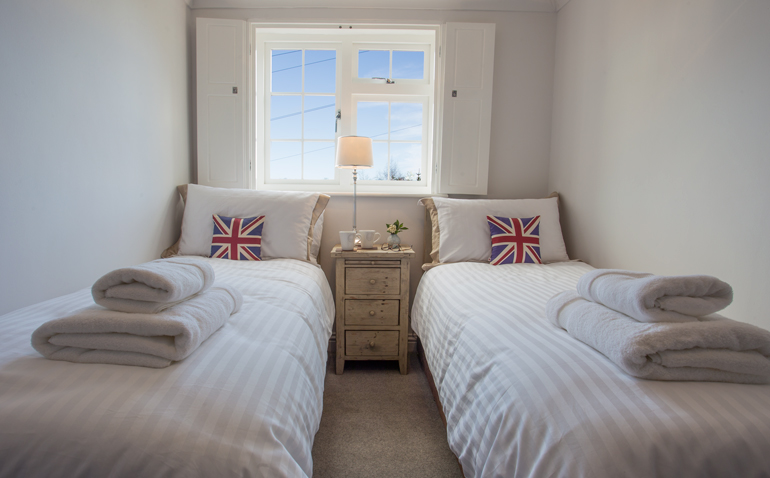 Luxury holiday cottage for 4 in Warkworth accepts dogs near a pub and beach