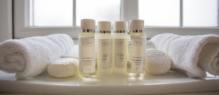 Luxury white company toiletries, 5 star holiday cottages in Northumberland