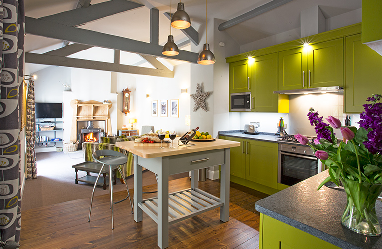 orchard barn kitchen luxury bespoke fitted kitchen in luxury self catering holiday cottage in corbridge northumberland