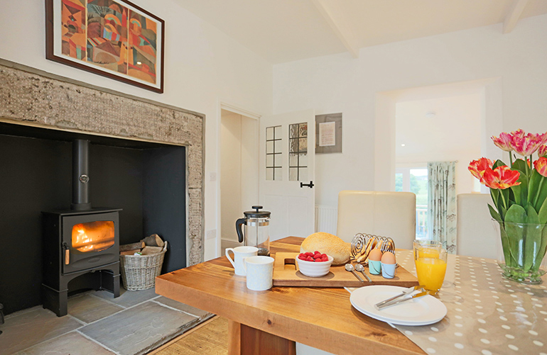 cottages with real fires on the coastline, coastal cottages in Northumberland, cottages for children in Northumberland, luxury holiday cottages in Embleton, cottages on the beach in craster