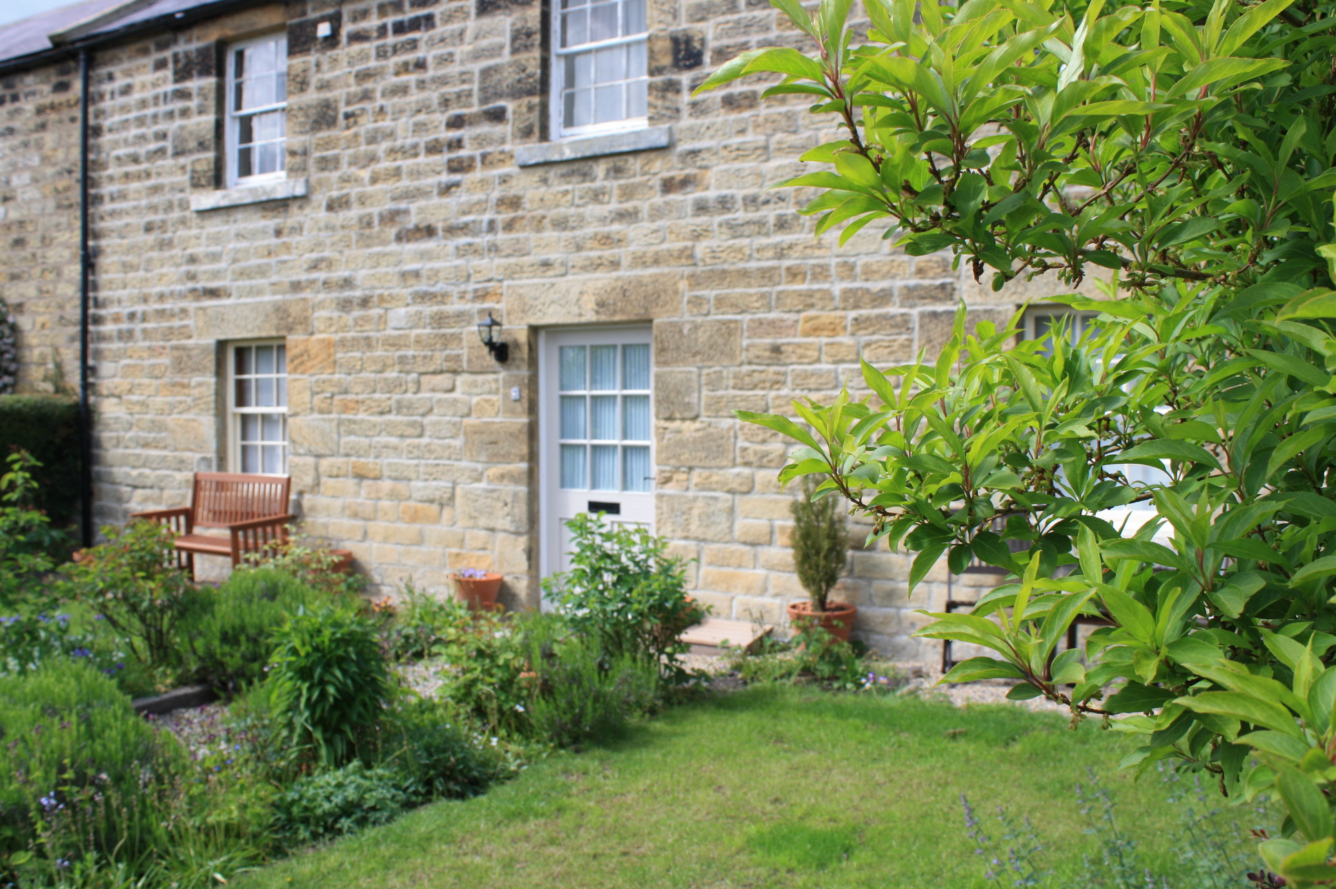 walking_holidays_northumberland, romantic boltholes for couples in Lesbury close to a pub and walking distance from a beach, holiday cottages with real fires in Northumberland