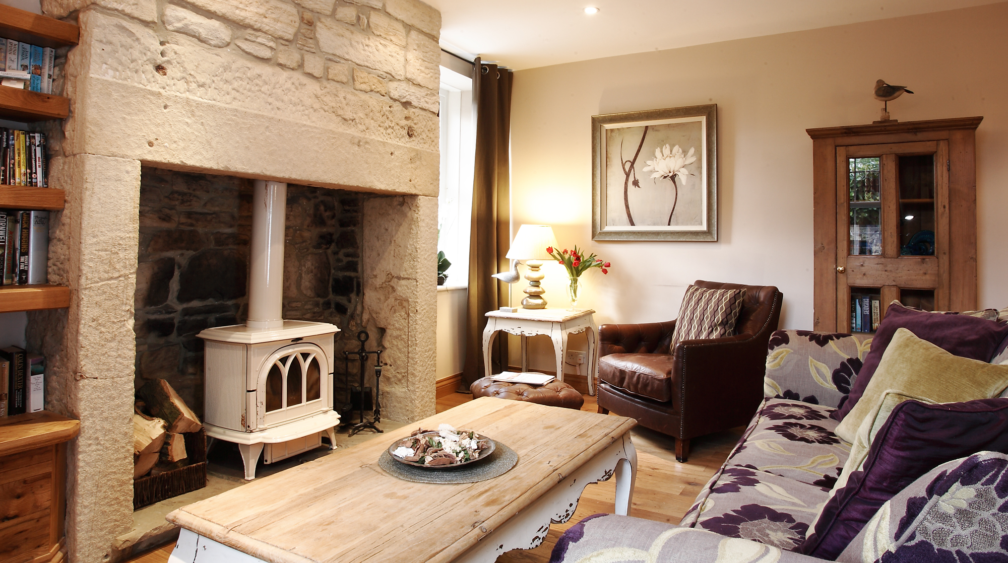 lane_end_cottage_lounge_chris_coplan_cottages_feature