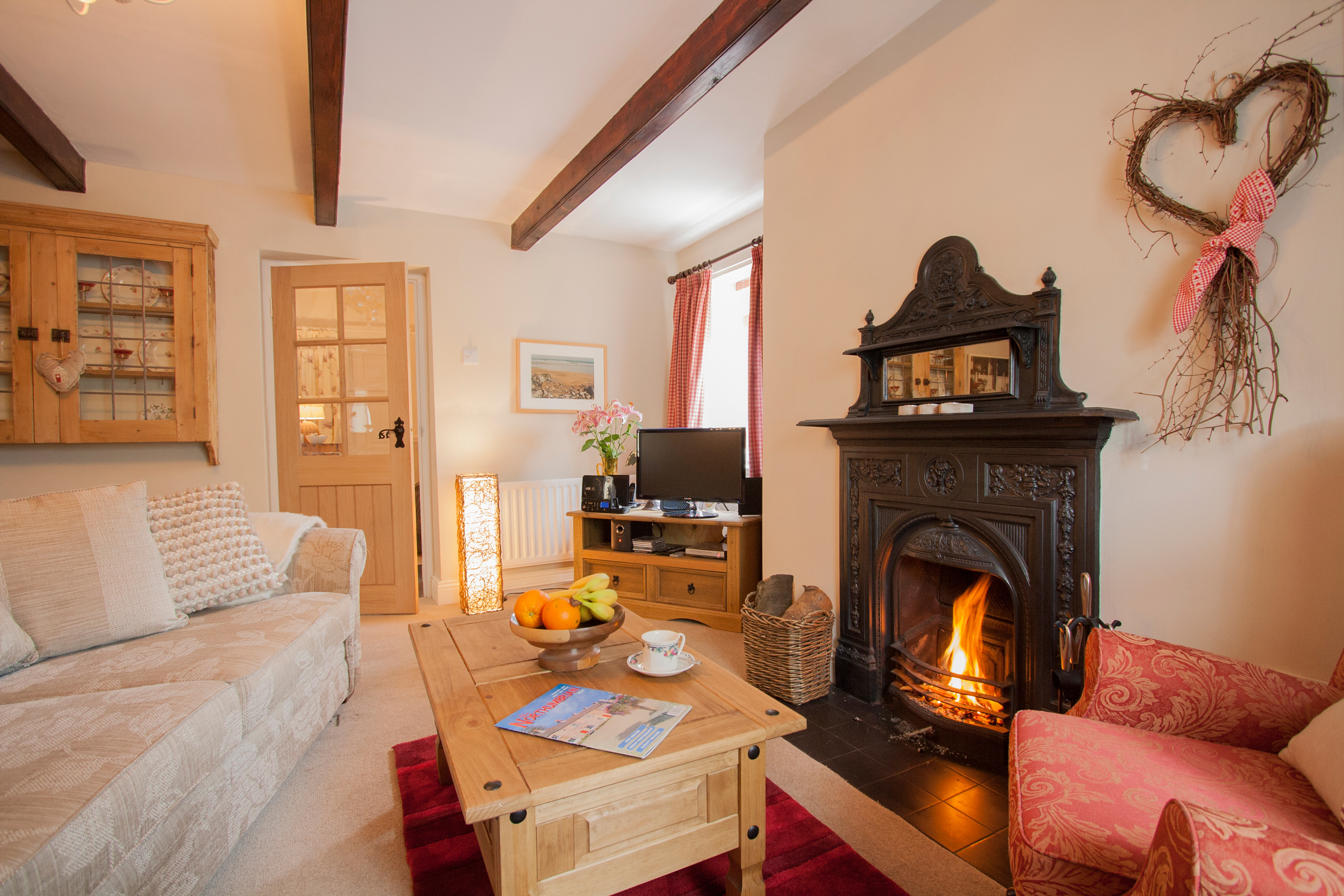 romantic holiday cottages in Warkworth for couples with a dog, holiday cottages in Warkworth with an open fire