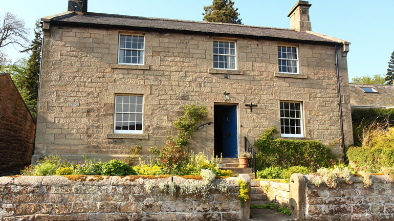 Border House is a traditional luxurious country holiday home in the pretty village of Harbottle, just 8 miles from Rothbury and next to Harbottle historic castle