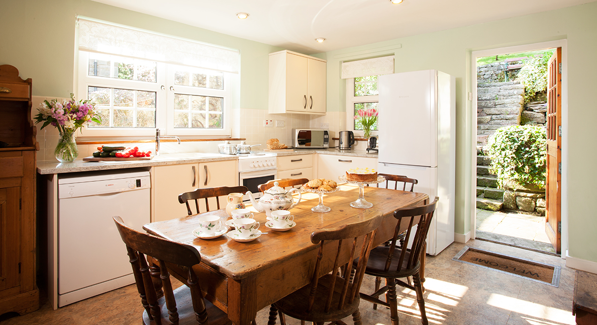 Border House's country farmhouse style kitchen perfect for families and dogs welcome too, on the edge of the Northumberland National Park