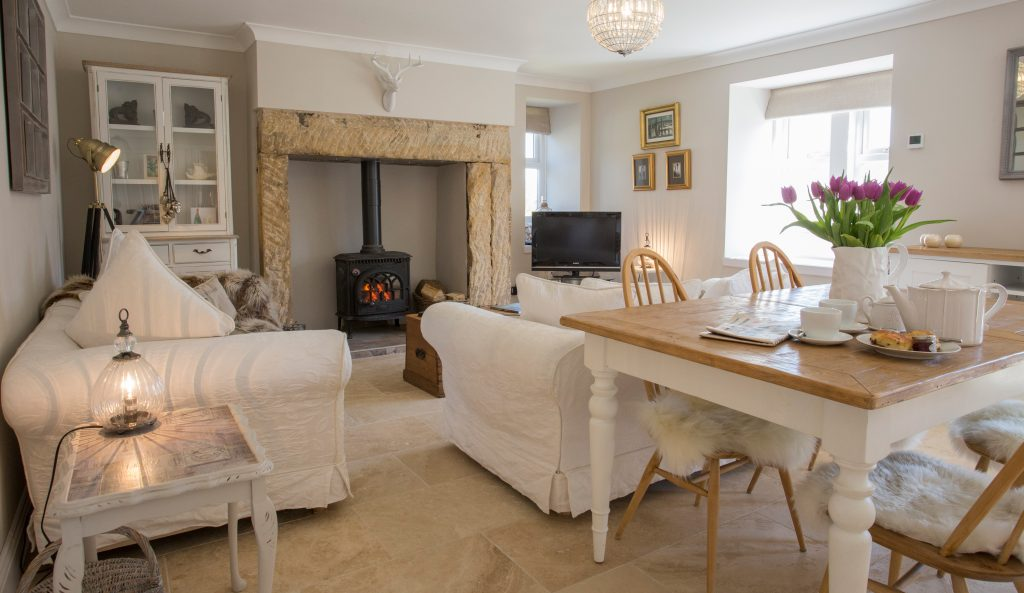 romantic cottages near Bamburgh in Northumberland, cosy little cottages for 2 pet friendly with a real fire in Northumberland
