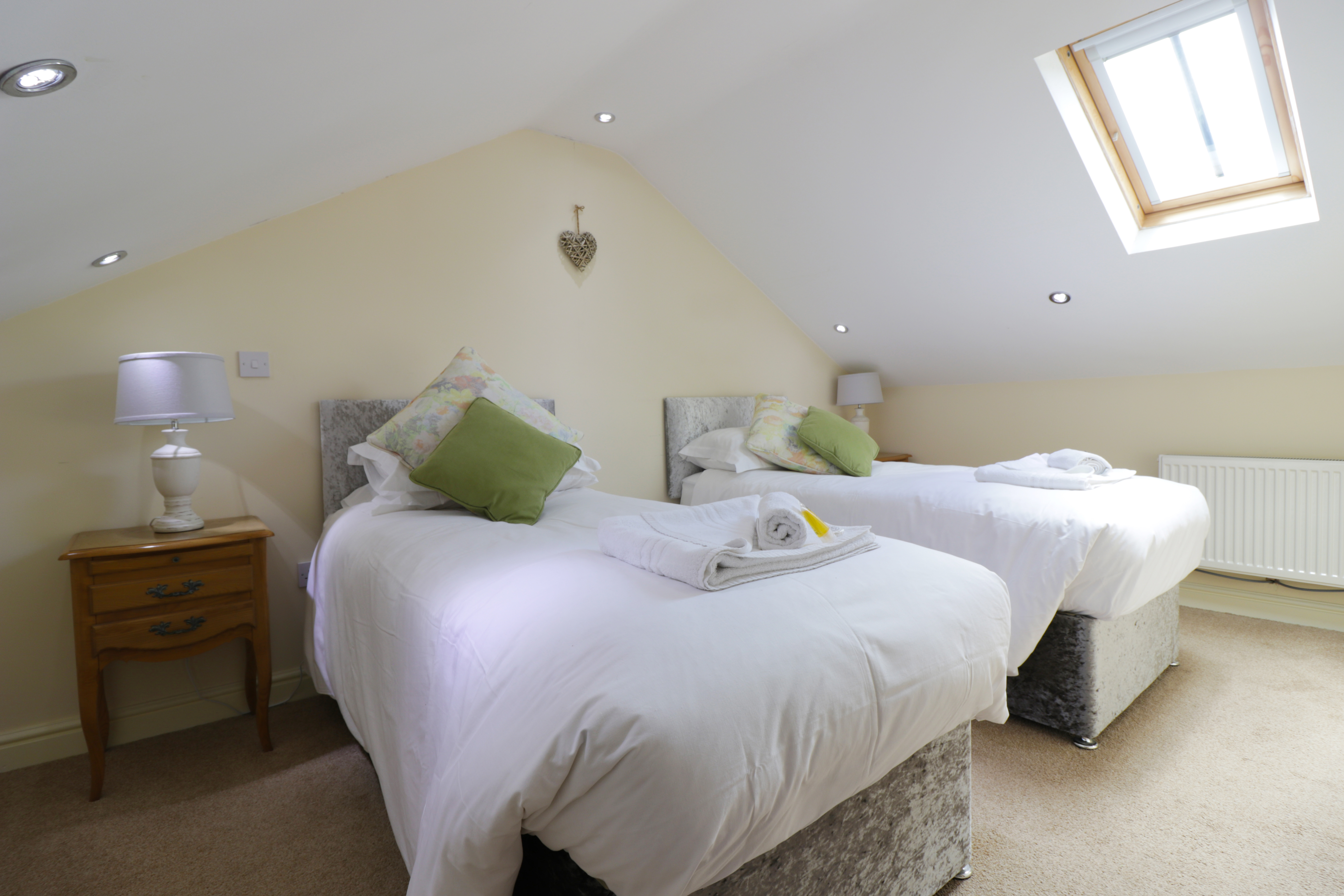 luxury holiday cottages near Otterburn near to le petit chateau