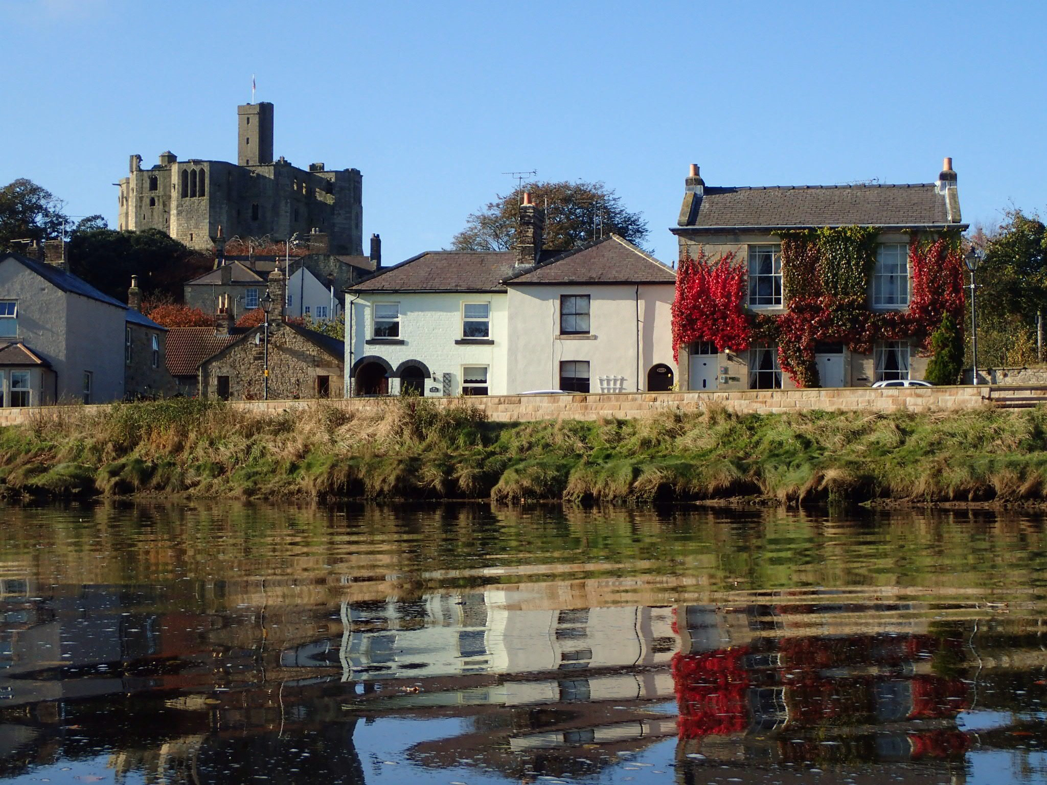 Luxury period holiday cottage in Warkworth Northumberland dogs welcome