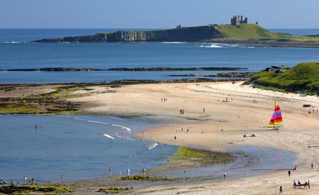 holiday cottages in walking distance to Dunstanburgh castle