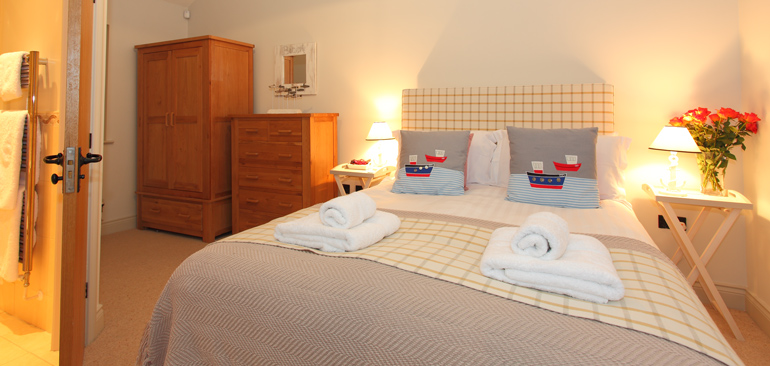 sandpiper_master_bedroom_with_ensuite_1