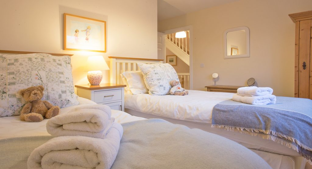 luxury cottages in warkworth near to the beach pet friendly dog friendly, sleeps 6 cottages in warkworth 3 bathrooms dogs allowed