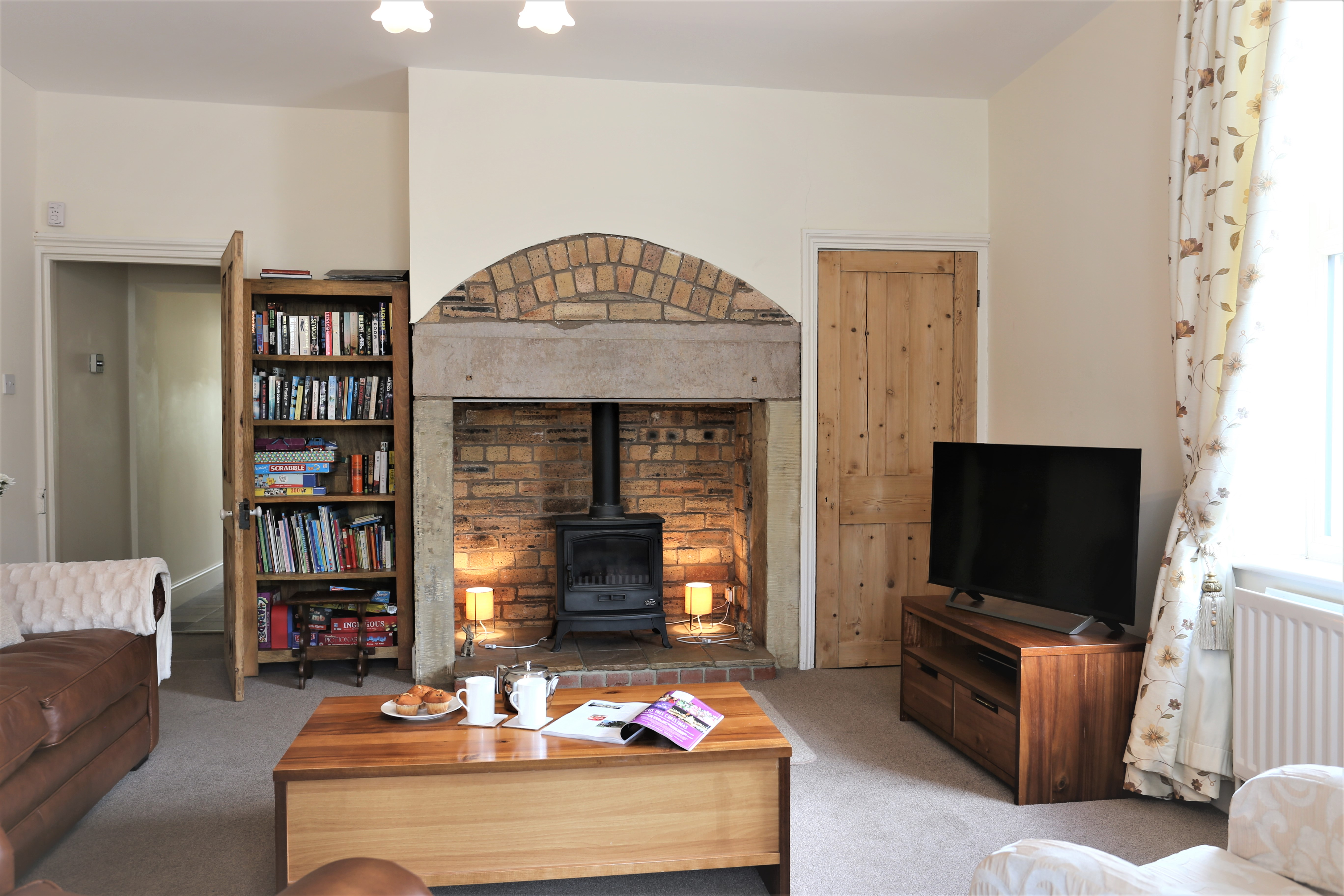 Warkworth holiday cottages with sea views river frontage, pet friendly holiday cottages in Warkworth