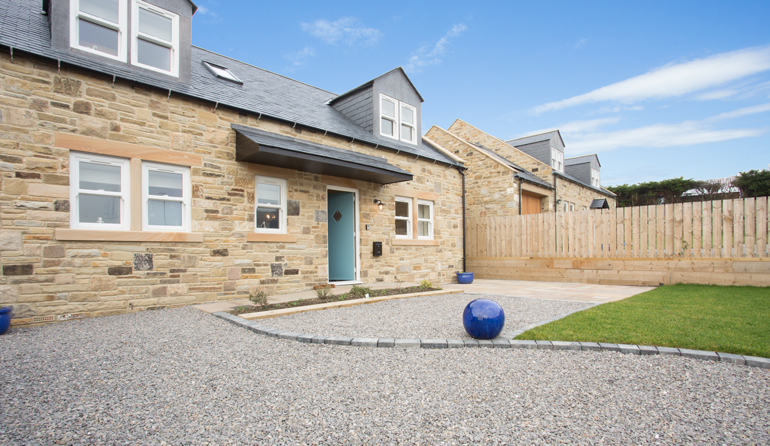 cuthberts-cottage-luxury-holiday-home-seahouses