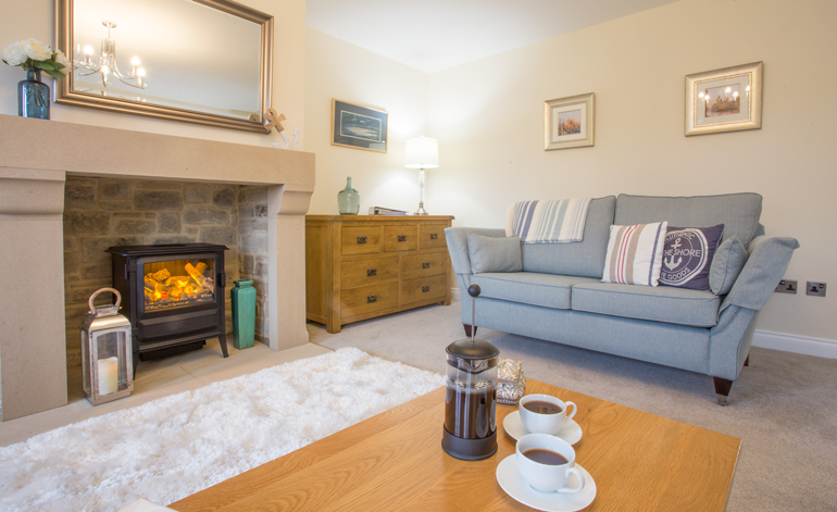 cuthberts-cottage-luxury-lounge-vapour-fire