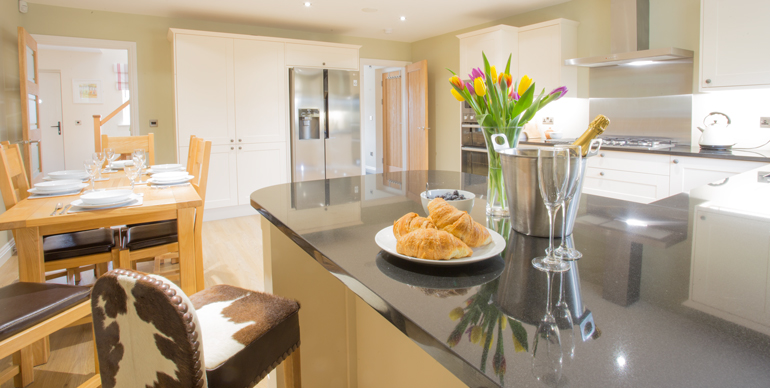 Large luxury holiday cottage Seahouses 3 bedrooms all en suite