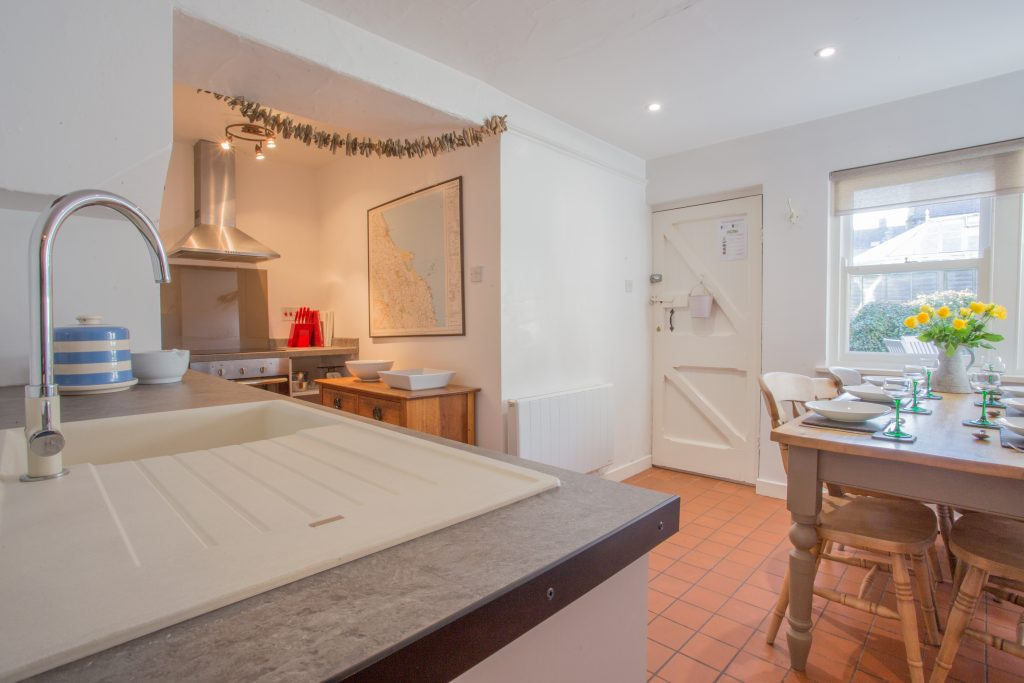 cottages_in_bamburgh_self_catering_available_this_weekend