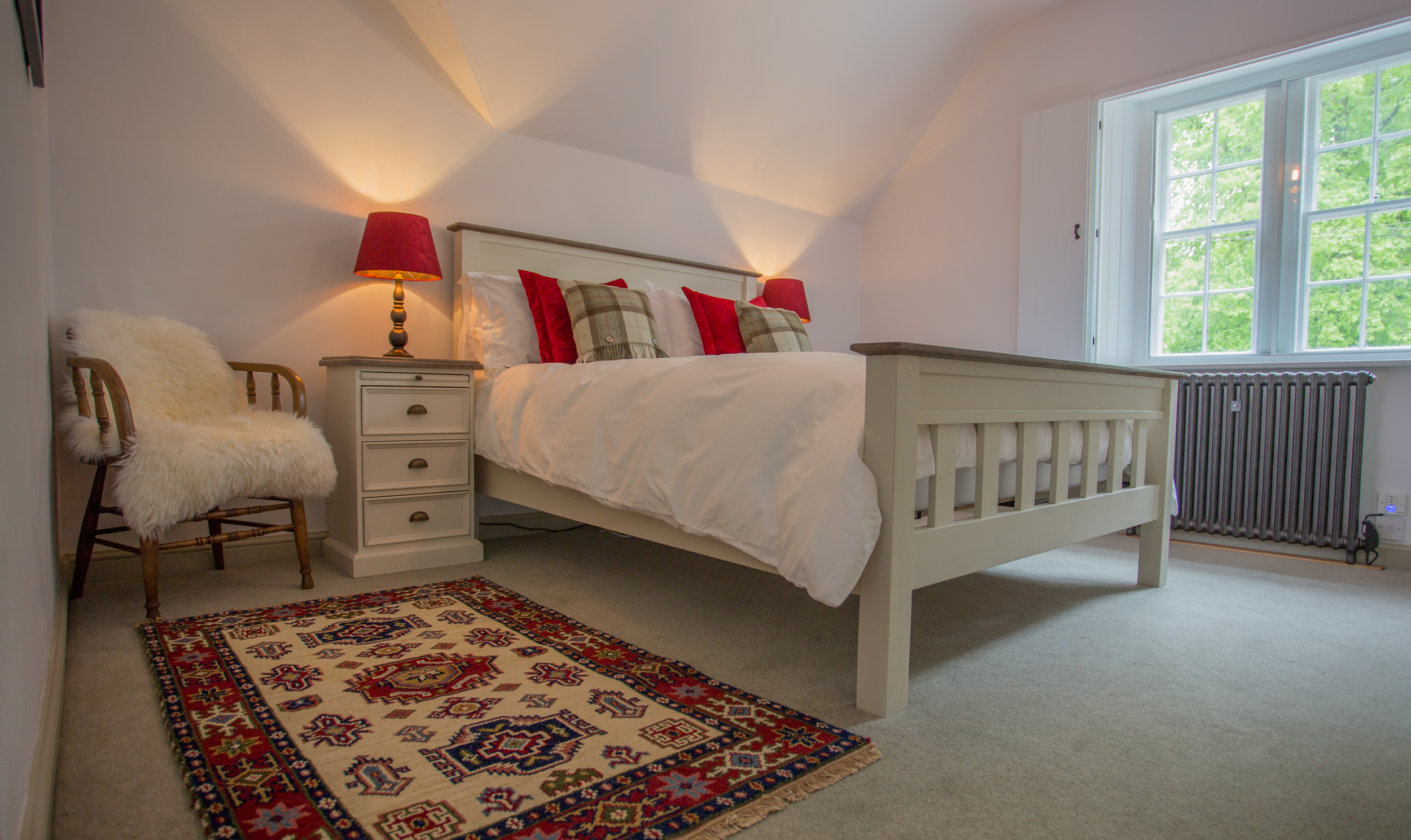 rural holiday cottages in beautiful locations, cottages in the countryside near a castle, rent a castle