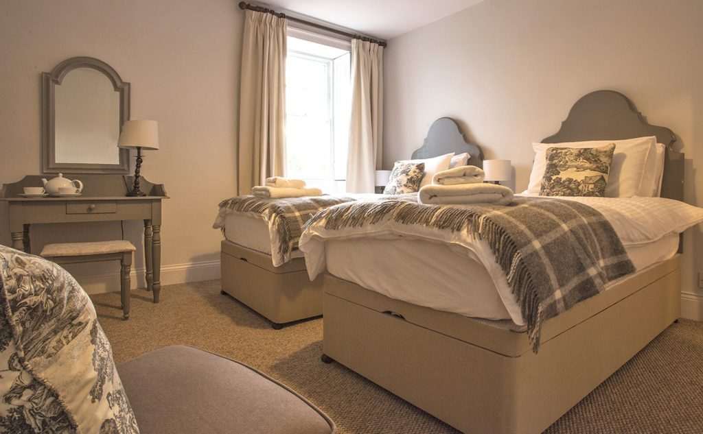 luxury holiday cottages for adults in centre of Warkworth village with private parking
