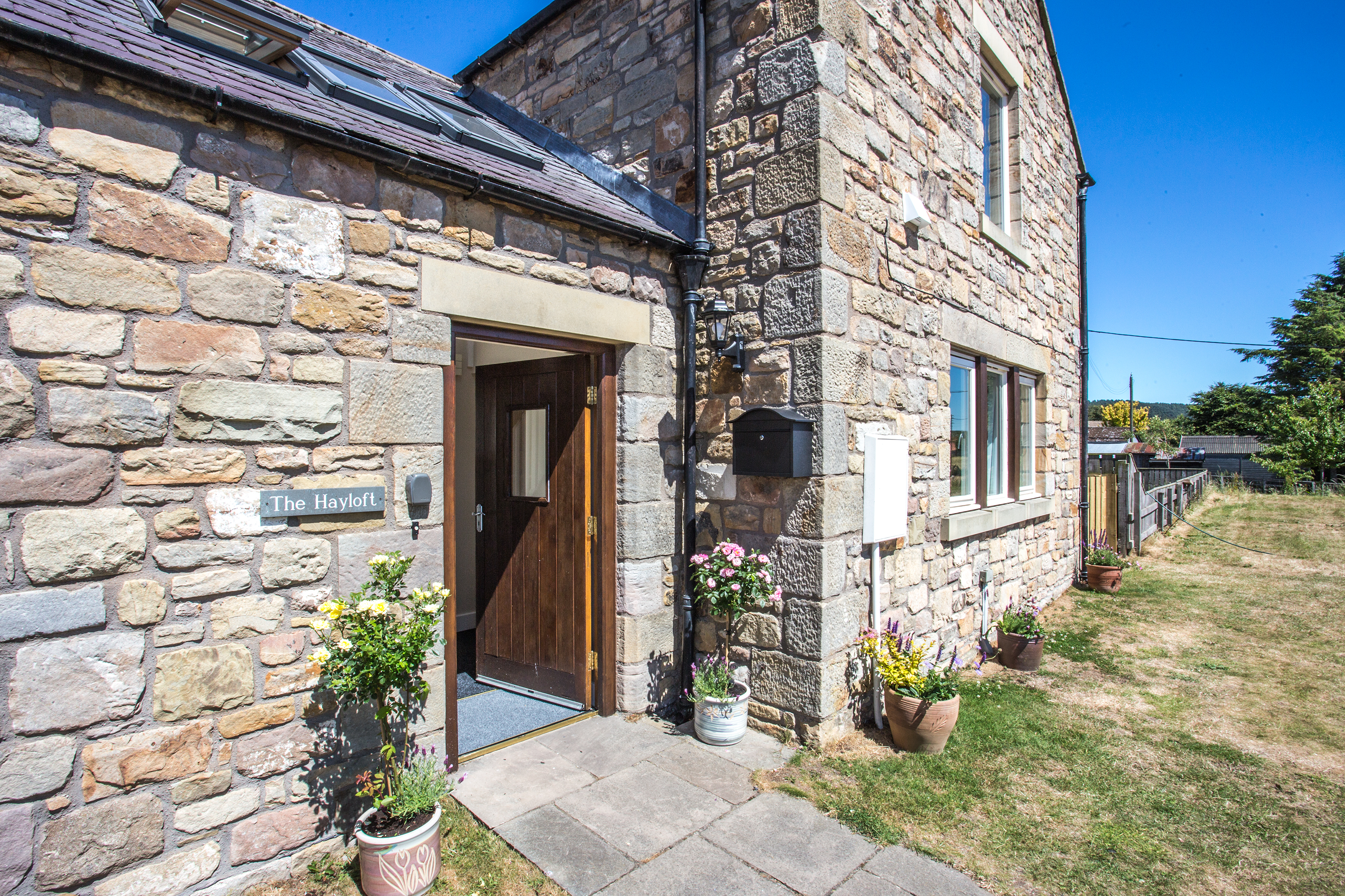 luxury accommodation in Northumberland for families, pet friendly holiday cottages in Chatton near a pub