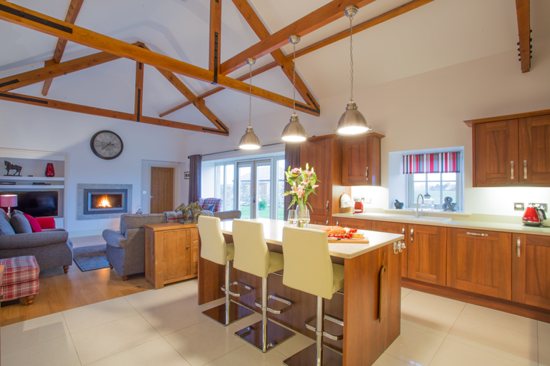 luxury holiday cottages self-catering in Bamburgh in walking distance to the beach last min offers
