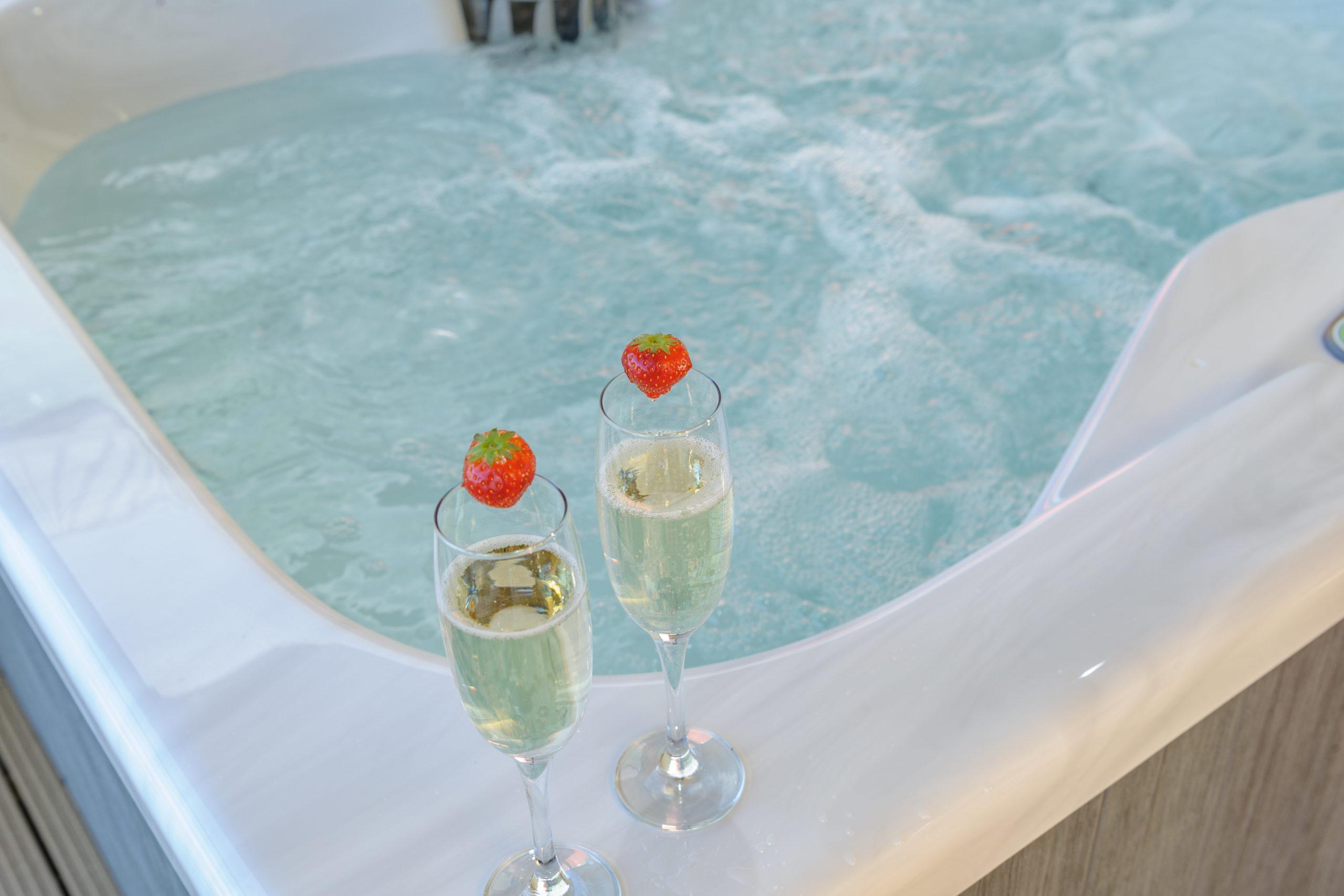 Quay West Hot tub luxury holiday apartment coble quay amble