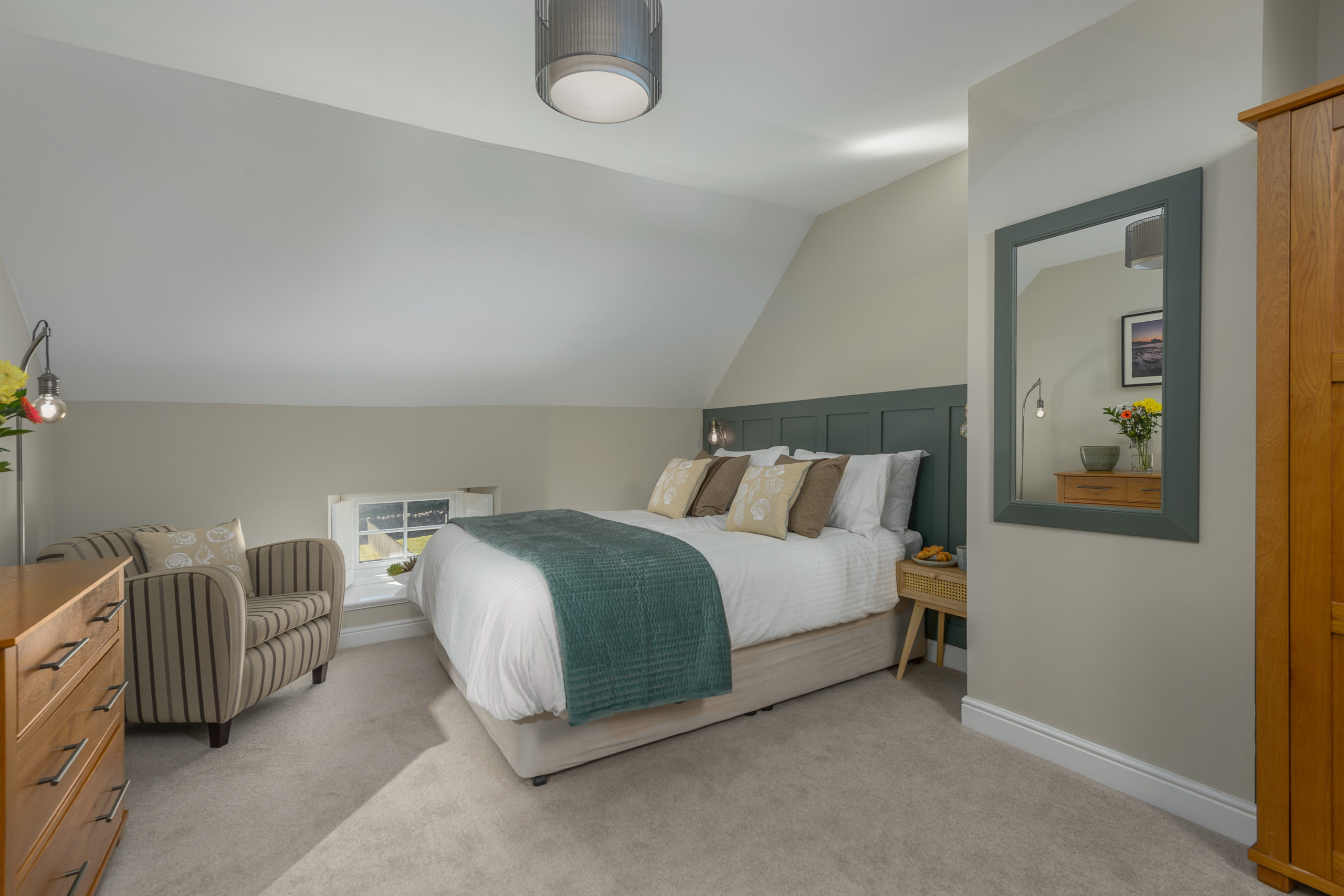 bedroom cosy at the oystercatcher beadnell northumberland seaside harbour beach coastal holiday cottage luxury